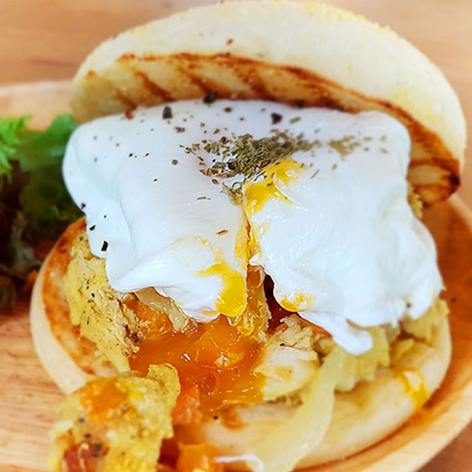 Saturday Egg Muffin and Coffee | DAT WICH | Thonglor | Bangkok